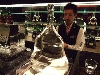 氷で作成された「ヘネシーX.O マチュザレム」像?