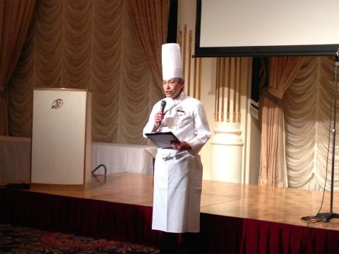 料理長からの挨拶。ハラルへの取り組みを熱っぽく語られました