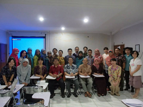 「インドネシア日本語教育学会」東ジャワ支部の勉強会