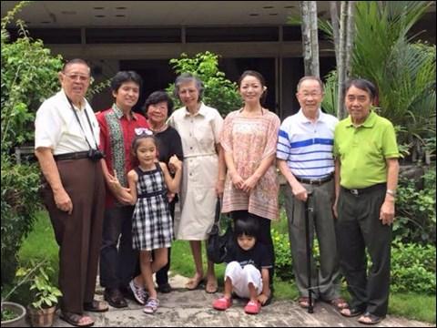 インドネシアに一時帰国中の親戚を訪問して