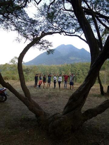 仲間たちと、東ジャワのフランボヤンで