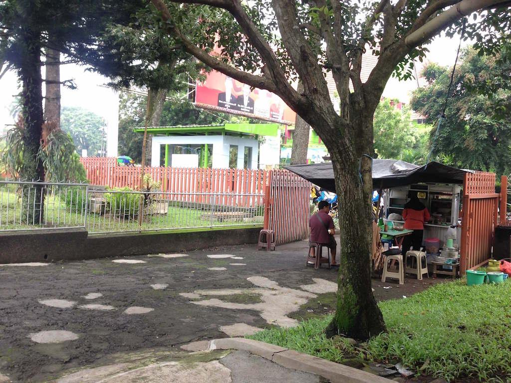 インドネシア名物「ソトダギン」(Soto Daging)