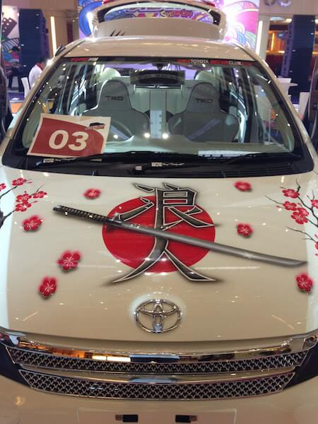 スラバヤのモールに展示されていた「痛車」