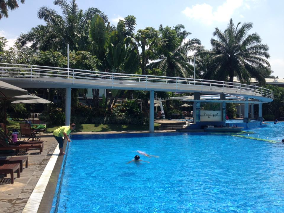 のびのびとしたプールレッスン@Malang