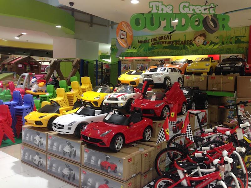 ジャカルタのモールのおもちゃ売り場