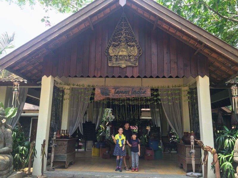 インドネシア、東ジャワのマランで43歳の誕生日を迎えて