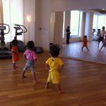 子供ヨガ|早朝6時からのヨガ教室に、4歳と3歳の子を参加させた結果