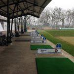 インドネシアのゴルフ練習場 打ちっ放しでコーチから直接レッスン!