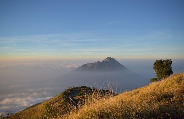 メラピ山 インドネシア