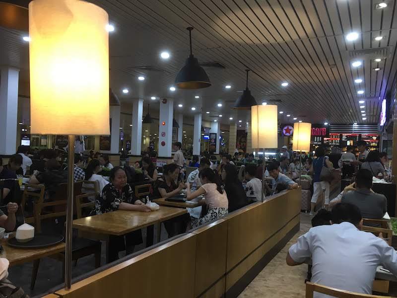ホーチミン 空港レストラン フードコート サイゴンマーケット