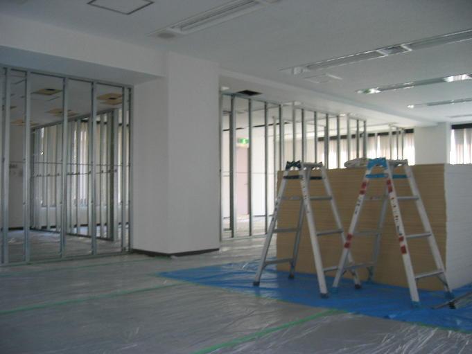 20060403_office2.JPG