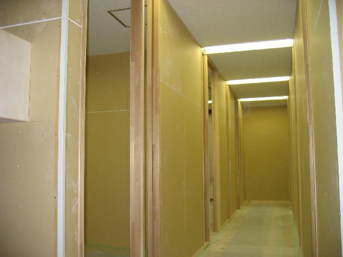 20060409_office2.JPG