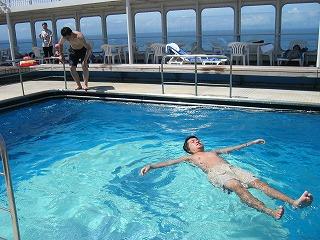 豪華客船ぱしふぃっくびいなす プール