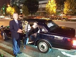 日本の名車 センチュリー トヨタ 運転手
