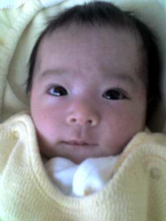 生後8週間の娘