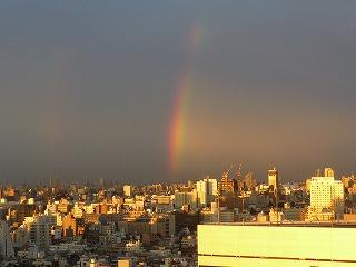こんなに美しくて巨大な虹が・・・