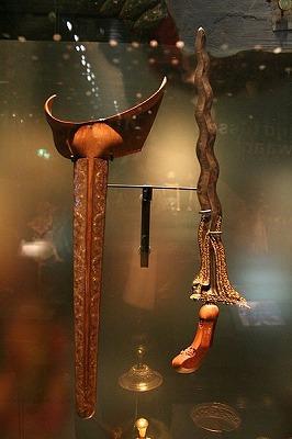 インドネシア伝統の短剣、クリス keris