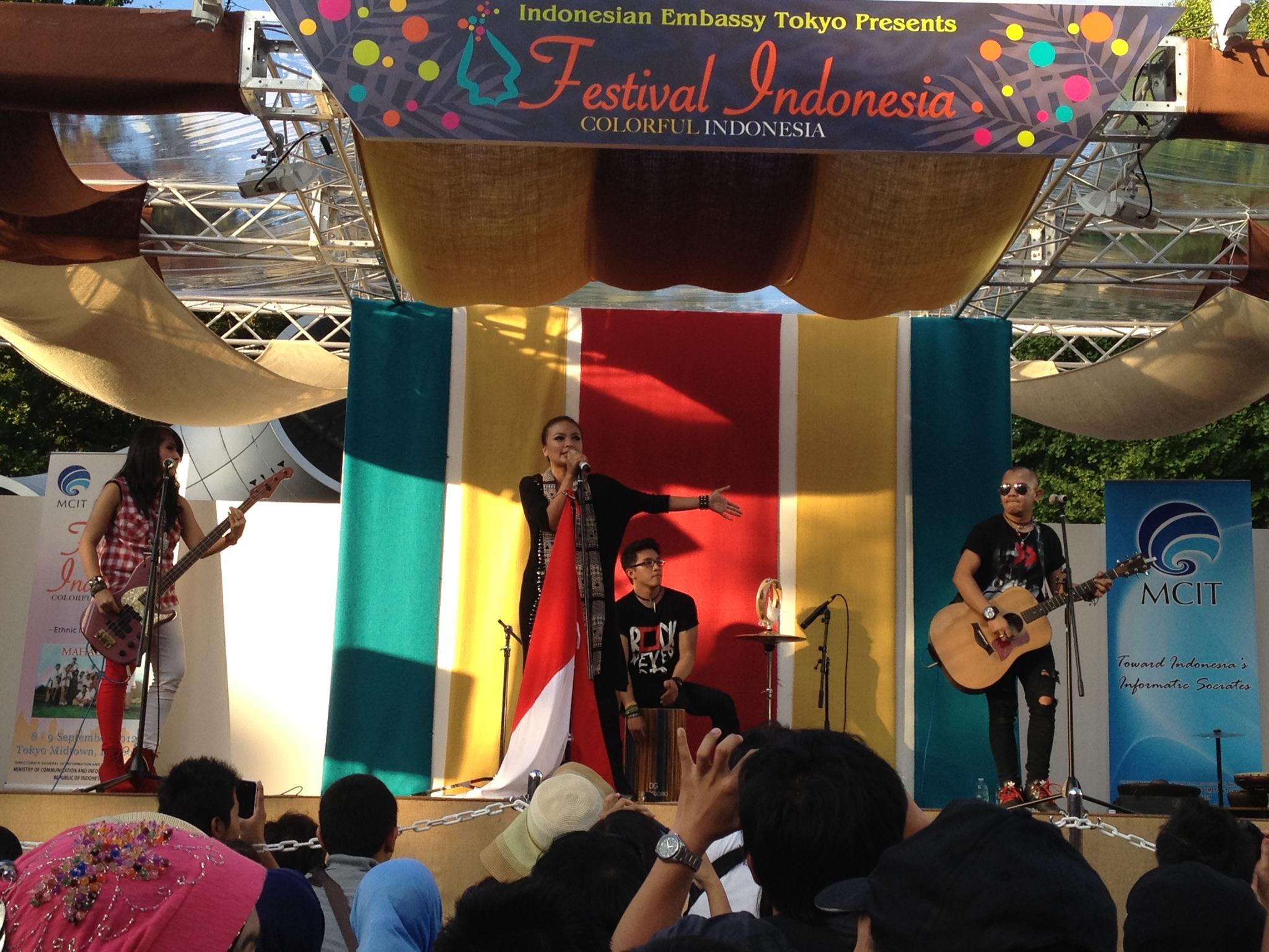 インドネシアフェスティバル ミッドタウンの野外コンサートの様子