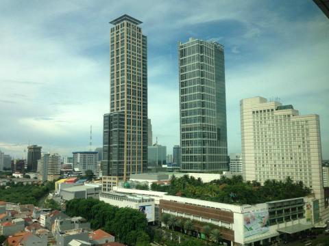 高層ビルが建つジャカルタ中心部