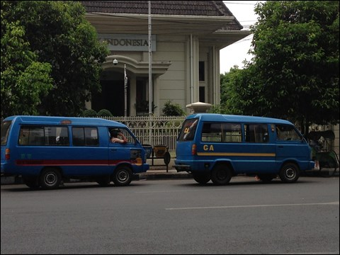 インドネシアの庶民の足、アンコタ