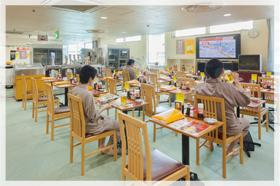 「グリーンプラザ新宿」 風呂上がりの酒は抜群の味!午前になっても大人気