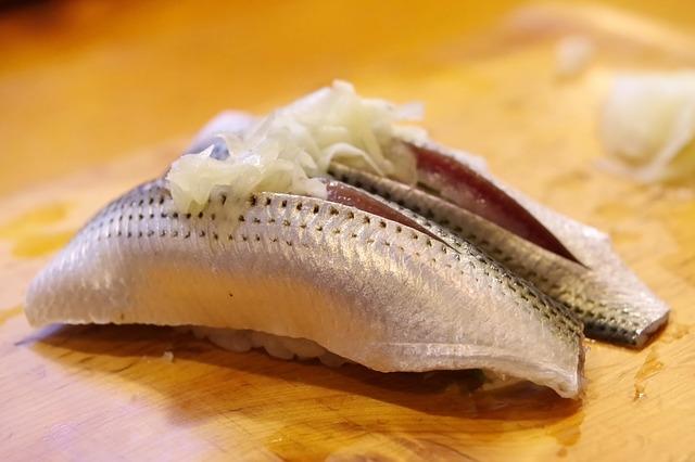 カウンター席 寿司 コハダ