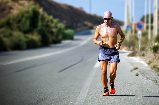 努力 頑張る 走る トレーニング