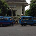 東ジャワの小型バス「アンコタ」|運転手の「良い加減」という魅力に迫る