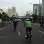 ジャカルタ カーフリーデー 歩行者天国 ランナー 自転車