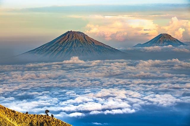 インドネシア 中部ジャワの山