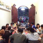 インドネシアグルメの楽しみ方|床にすわってみんなでワイワイ食べる!