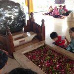 海外子育て|インドネシア初代大統領の墓地で「国って作れるの?」と