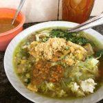 インドネシアのローカルグルメ|高速バスターミナルの食堂街で味わう!