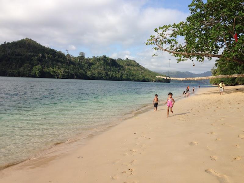 スンプ島 インドネシア 東ジャワ ビーチ