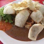ガドガド|インドネシアの温野菜サラダをスラバヤの名店で食べてみた!