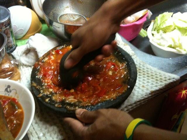 サンバル 香辛料をすりつぶす石臼 石鉢 スパイスボール チョベック
