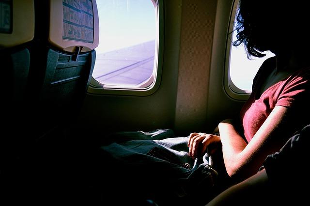 飛行機の恐怖を乗り越える