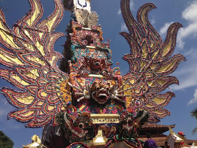 バリ島 王族 火葬の儀式 2013年11月撮影