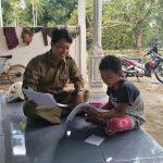 インドネシアの教育格差|オンライン学習の弊害に挑む熱血教師が話題!